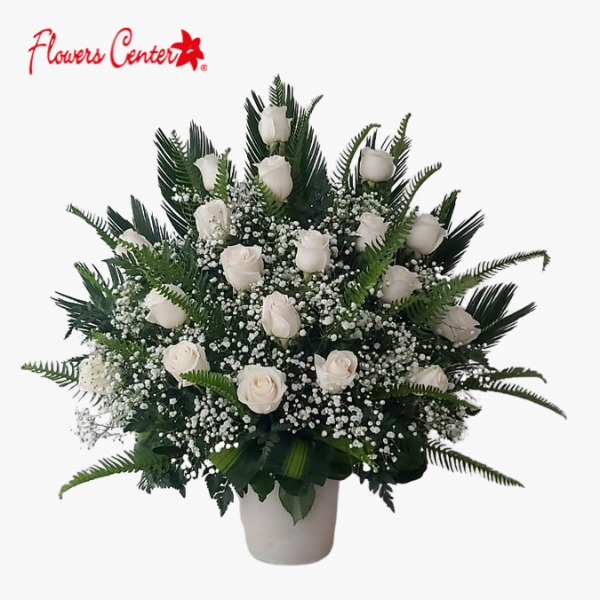 Canasta Fúnebre Compuesta por 18 Rosas Blancas en Base de Cerámica